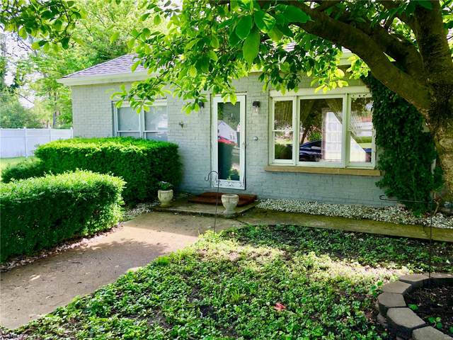 122 Bender Avenue, East Alton, IL 62024 (#20034869) :: Tarrant & Harman Real Estate and Auction Co.