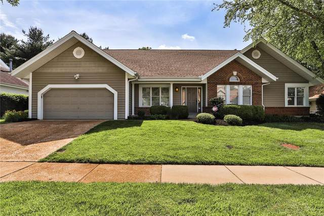 15849 Cedarmill Drive, Chesterfield, MO 63017 (#20035010) :: St. Louis Finest Homes Realty Group