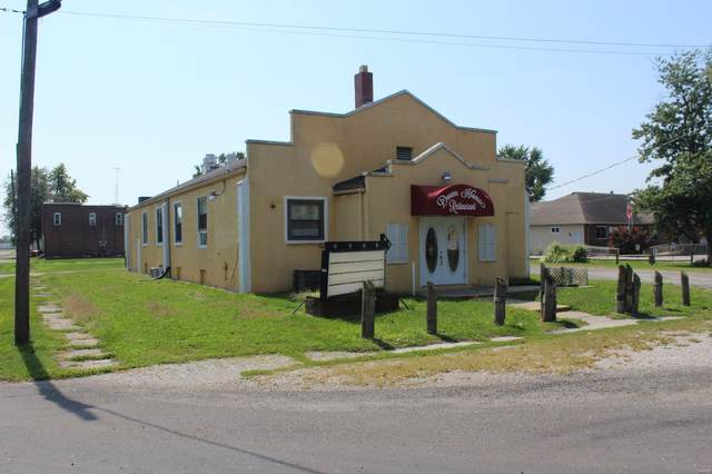124 E Henry Street, STAUNTON, IL 62088 (#20035437) :: Tarrant & Harman Real Estate and Auction Co.