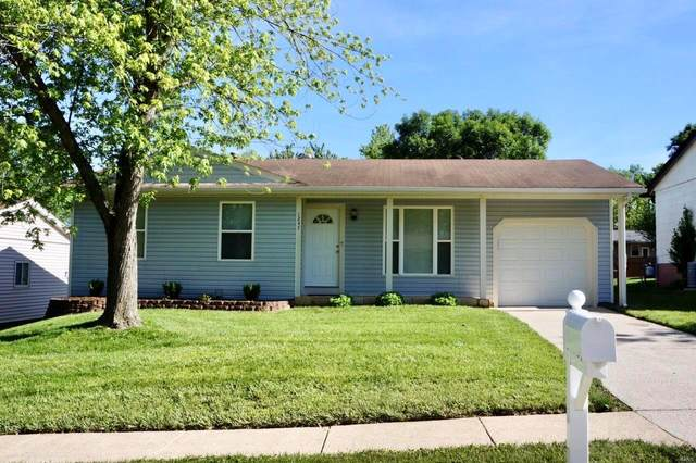 1247 Kings Trail Lane, Fenton, MO 63026 (#20035878) :: The Becky O'Neill Power Home Selling Team