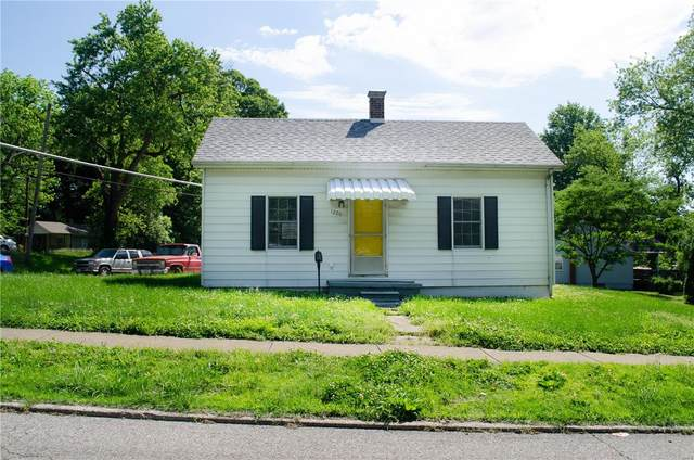 1220 Caseyville Avenue, Swansea, IL 62226 (#20036295) :: The Becky O'Neill Power Home Selling Team