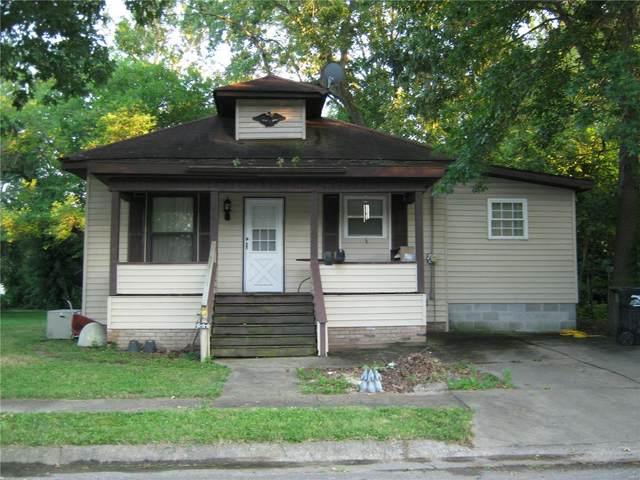 721 W Raymond Street, HARRISBURG, IL 62946 (#20036611) :: The Becky O'Neill Power Home Selling Team