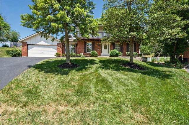 8 Swindon Court, Manchester, MO 63011 (#20038432) :: The Becky O'Neill Power Home Selling Team