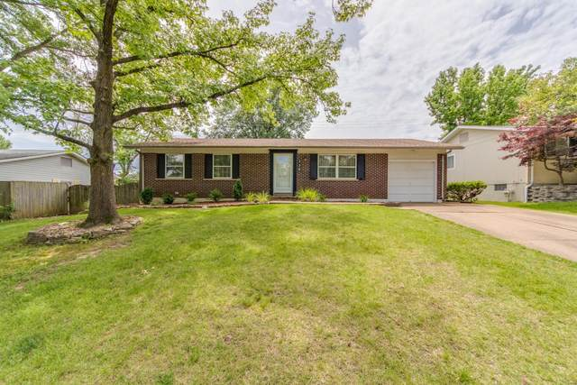 336 Burncoate Drive, Unincorporated, MO 63129 (#20039187) :: Kelly Hager Group   TdD Premier Real Estate
