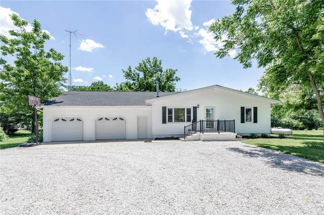 548 Haller Avenue, POCAHONTAS, IL 62275 (#20039891) :: Parson Realty Group