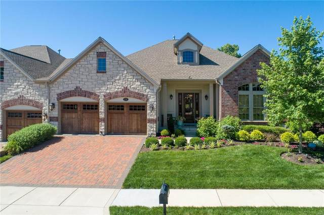 275 Meadowbrook Country Club Estat, Ballwin, MO 63011 (#20040342) :: The Becky O'Neill Power Home Selling Team