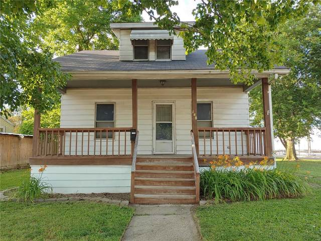 148 E 6th Street, Roxana, IL 62084 (#20040471) :: Tarrant & Harman Real Estate and Auction Co.