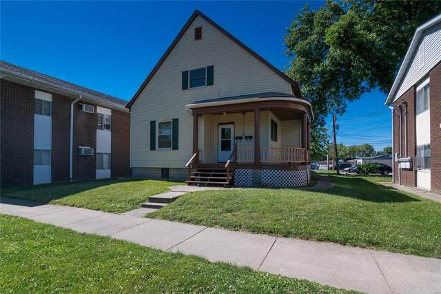 1316 Main Street, Highland, IL 62249 (#20041393) :: Kelly Hager Group | TdD Premier Real Estate