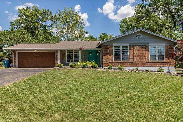1015 Brittany Parkway, Manchester, MO 63011 (#20043042) :: The Becky O'Neill Power Home Selling Team