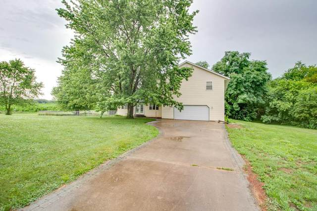 27250 Sunderland Road, Jerseyville, IL 62052 (#20043467) :: Kelly Hager Group | TdD Premier Real Estate
