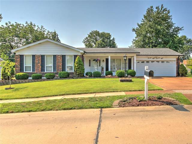 2828 Flameglow, St Louis, MO 63129 (#20043571) :: The Becky O'Neill Power Home Selling Team