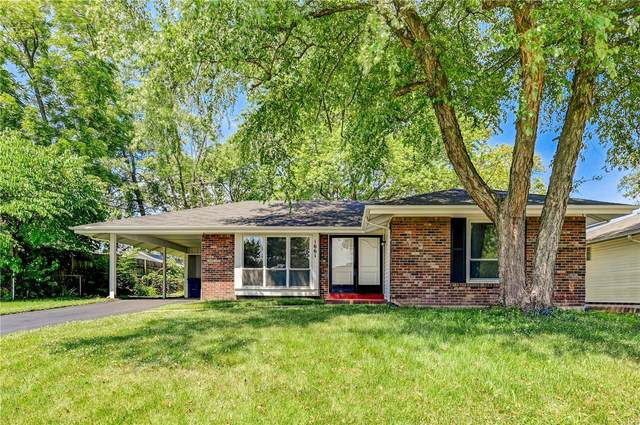 1661 Schulte Hill, Maryland Heights, MO 63043 (#20043960) :: The Becky O'Neill Power Home Selling Team