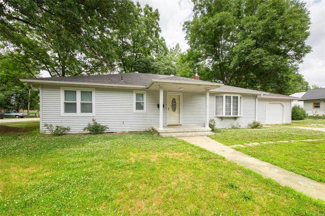 1891 Fairfax Street, CARLYLE, IL 62231 (#20044227) :: Clarity Street Realty
