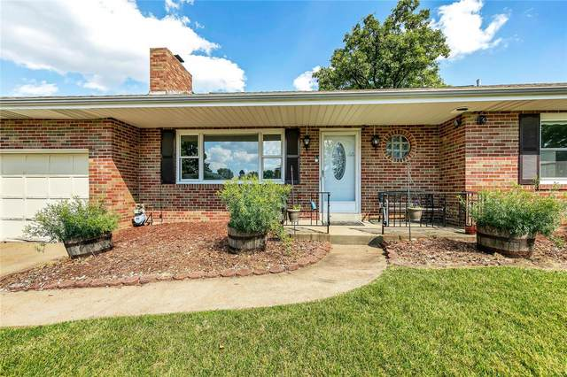 3900 Cordes Drive, St Louis, MO 63125 (#20044310) :: Kelly Hager Group | TdD Premier Real Estate