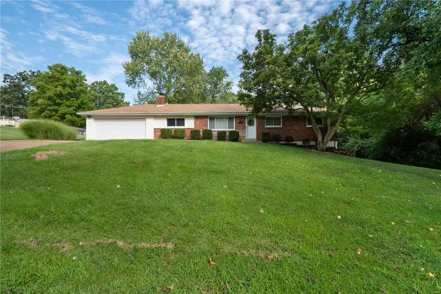 4611 De Chantal, St Louis, MO 63128 (#20044832) :: The Becky O'Neill Power Home Selling Team