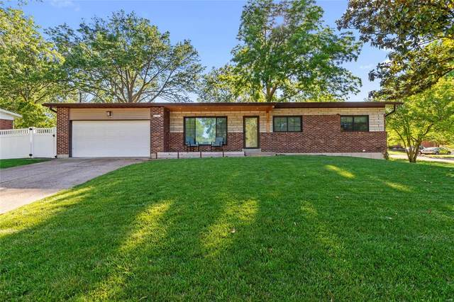 9203 Laramie Drive, St Louis, MO 63126 (#20045533) :: The Becky O'Neill Power Home Selling Team