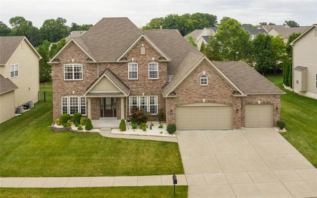 4 Towerbridge, Saint Charles, MO 63303 (#20045542) :: Kelly Hager Group | TdD Premier Real Estate