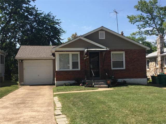 8112 Titus, St Louis, MO 63114 (#20045577) :: The Becky O'Neill Power Home Selling Team