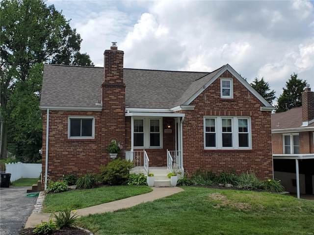 9426 Alpine Drive, St Louis, MO 63123 (#20045701) :: Walker Real Estate Team