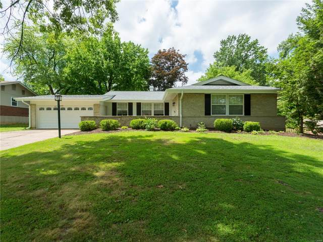 12424 Cape Cod Drive, St Louis, MO 63146 (#20045797) :: Clarity Street Realty