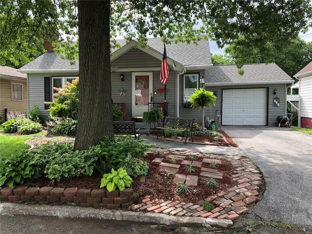 660 Burroughs Avenue, Collinsville, IL 62234 (#20046942) :: Clarity Street Realty