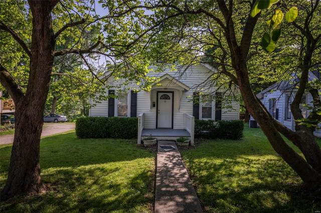 601 N 5th Street, Elsberry, MO 63343 (#20047106) :: The Becky O'Neill Power Home Selling Team