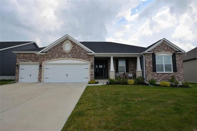 704 Bretton Trails Drive, Lake St Louis, MO 63367 (#20047283) :: Kelly Hager Group | TdD Premier Real Estate