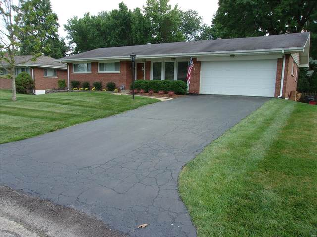 8847 Red Oak Drive, Crestwood, MO 63126 (#20048196) :: The Becky O'Neill Power Home Selling Team