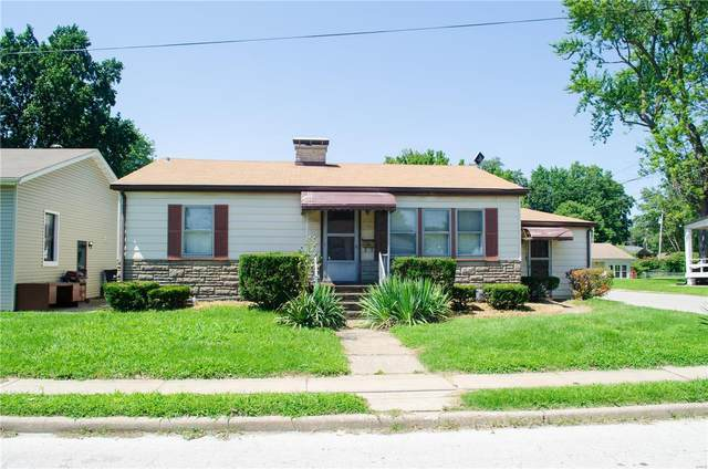 1221 E B Street, Belleville, IL 62221 (#20048700) :: Peter Lu Team
