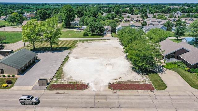 1120 S Liberty Street, Jerseyville, IL 62052 (#20049100) :: Tarrant & Harman Real Estate and Auction Co.