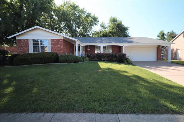 3651 Viembra, Florissant, MO 63034 (#20049162) :: The Becky O'Neill Power Home Selling Team