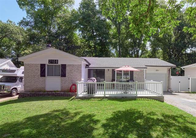 2108 Quirinal, Fenton, MO 63026 (#20049698) :: The Becky O'Neill Power Home Selling Team