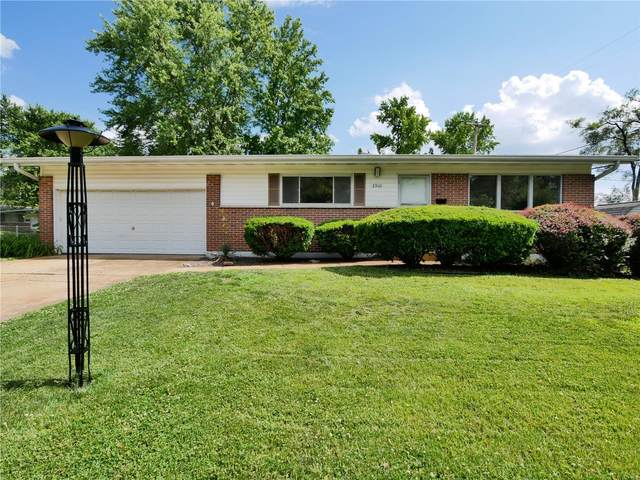2360 Cardinal Drive, Florissant, MO 63033 (#20050113) :: Matt Smith Real Estate Group