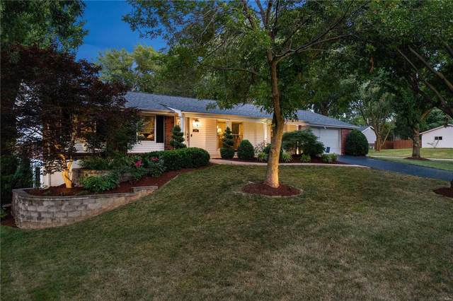 1202 Orchard Lakes, St Louis, MO 63146 (#20050265) :: The Becky O'Neill Power Home Selling Team