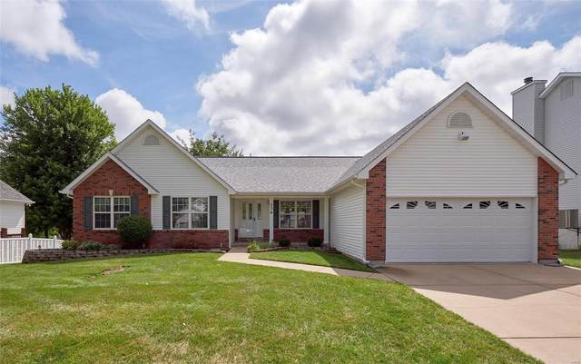 236 E Governor Place, Saint Charles, MO 63301 (#20050936) :: The Becky O'Neill Power Home Selling Team