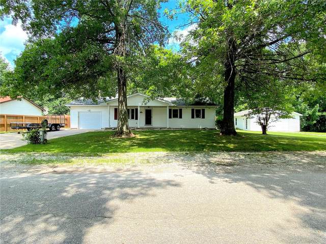 32630 Crest Wood, Brighton, IL 62012 (#20050983) :: Tarrant & Harman Real Estate and Auction Co.