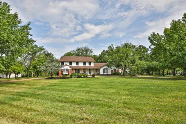 147 Forest Club Drive, Chesterfield, MO 63005 (#20051615) :: The Becky O'Neill Power Home Selling Team
