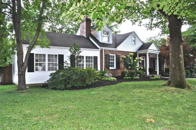 4 Berry Wood Drive, Glendale, MO 63122 (#20051621) :: The Becky O'Neill Power Home Selling Team