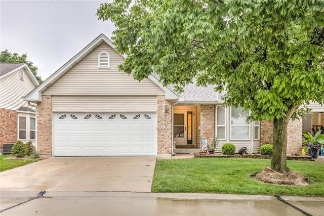 2964 Twin Ridge Drive 12A, Saint Charles, MO 63301 (#20052100) :: The Becky O'Neill Power Home Selling Team