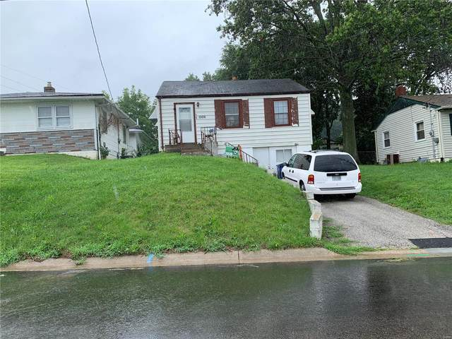 11106 Old Saint Charles, Saint Ann, MO 63074 (#20052612) :: The Becky O'Neill Power Home Selling Team