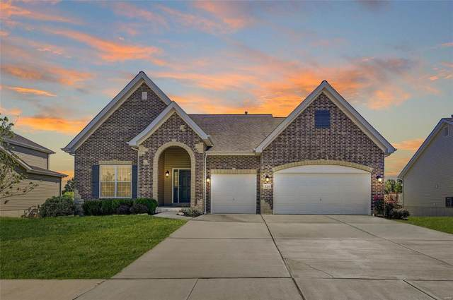320 Mason Glen Drive, Lake St Louis, MO 63367 (#20052790) :: The Becky O'Neill Power Home Selling Team