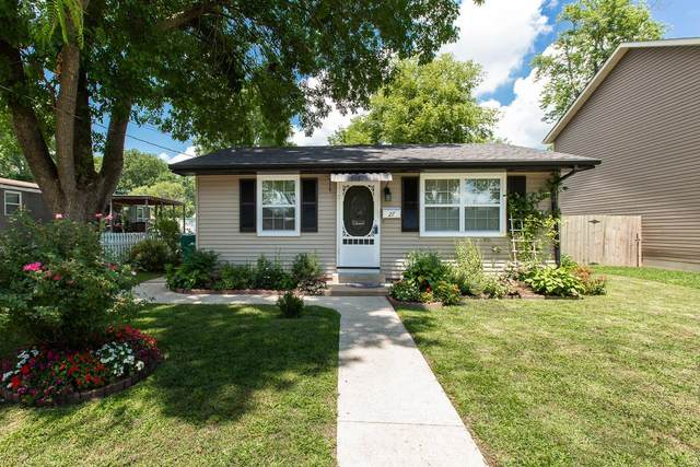 27 W Green Street, Mascoutah, IL 62258 (#20052822) :: The Becky O'Neill Power Home Selling Team