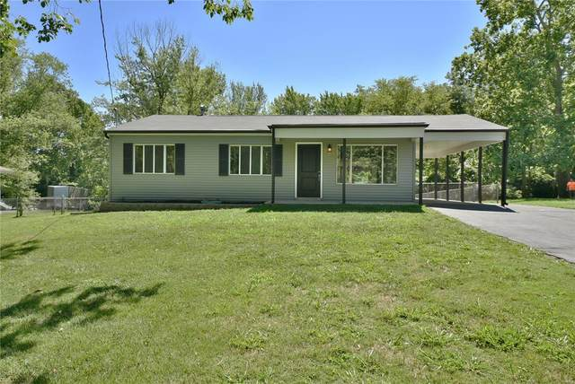 9 Cedar Crest Drive, Fenton, MO 63026 (#20053027) :: The Becky O'Neill Power Home Selling Team