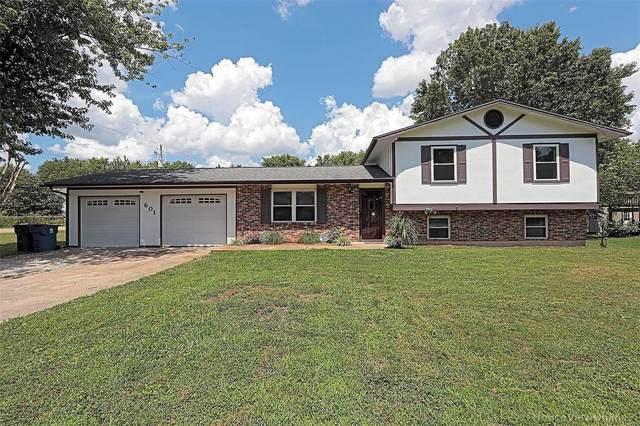 601 Walter, Farmington, MO 63640 (#20053270) :: The Becky O'Neill Power Home Selling Team