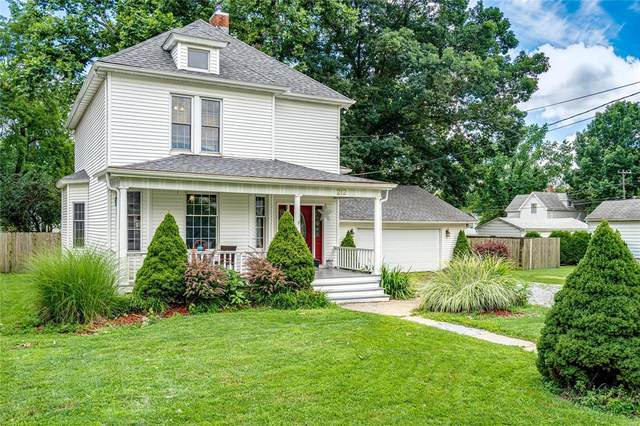 212 E Olive Street, STAUNTON, IL 62088 (#20053368) :: The Becky O'Neill Power Home Selling Team