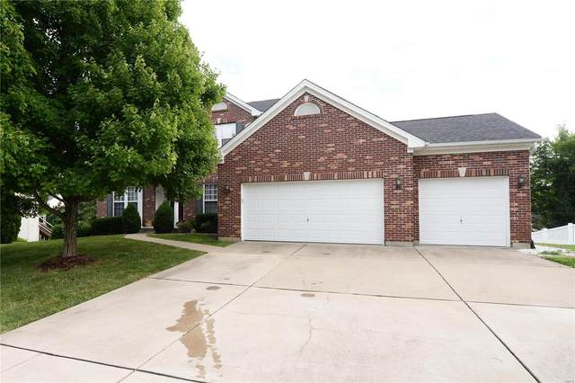 4216 Courtney Manor Drive, Saint Charles, MO 63304 (#20054255) :: The Becky O'Neill Power Home Selling Team