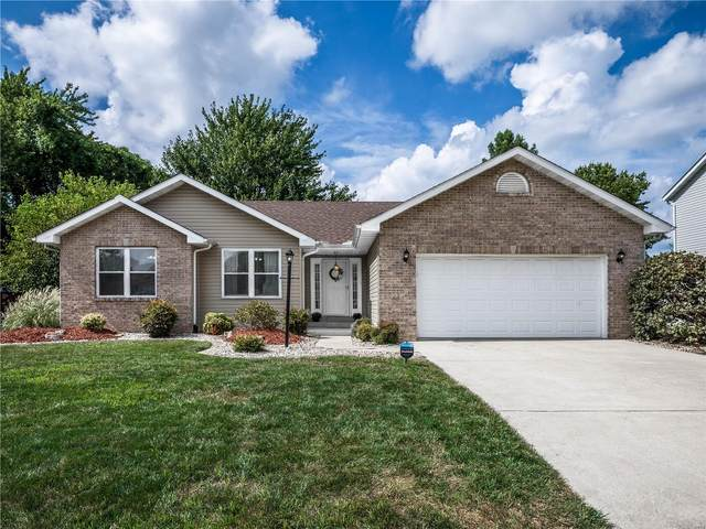 2711 Cabin Creek Court, Edwardsville, IL 62025 (#20054345) :: The Becky O'Neill Power Home Selling Team