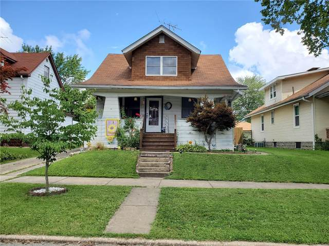 1515 13th Street, Highland, IL 62249 (#20054353) :: The Becky O'Neill Power Home Selling Team