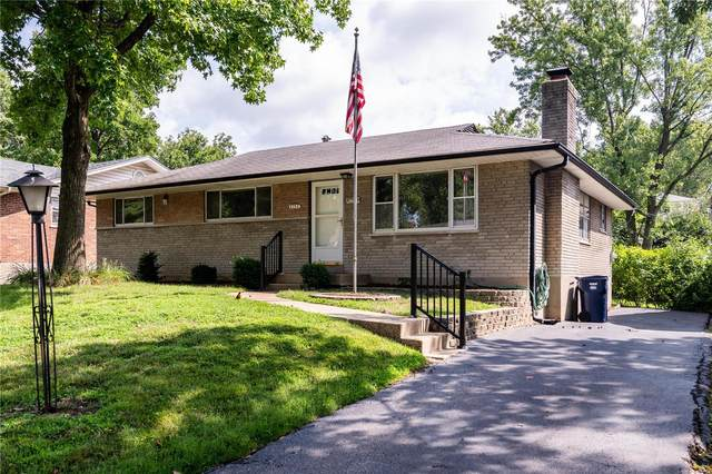 8754 Glenwood Drive, St Louis, MO 63126 (#20054364) :: The Becky O'Neill Power Home Selling Team