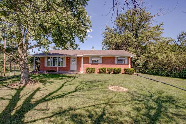 2270 Old Highway 158, Belleville, IL 62221 (#20054542) :: The Becky O'Neill Power Home Selling Team